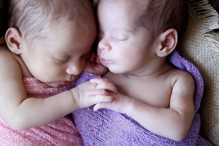Composições extraordinárias ou segurança? Gisele Fap alerta fotógrafos sobre os riscos e maravilhas da fotografia Newborn.