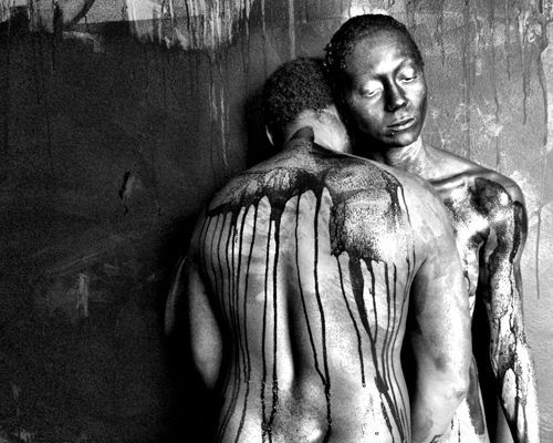 Fotografia, dança e teatro: exposições de Oppido e Mandou em SP