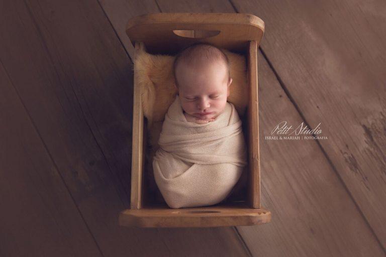 3 posições de newborn preferidas do Petit Studio e dicas para realizá-las
