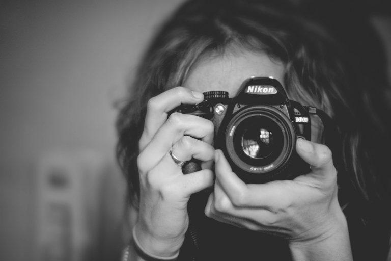 Concurso de fotografia explora os efeitos da ditadura da beleza; vencedor receberá prêmio de R$ 16 mil